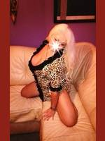 Sysy Blonde  Budapest (3. dist.)  41 years old
